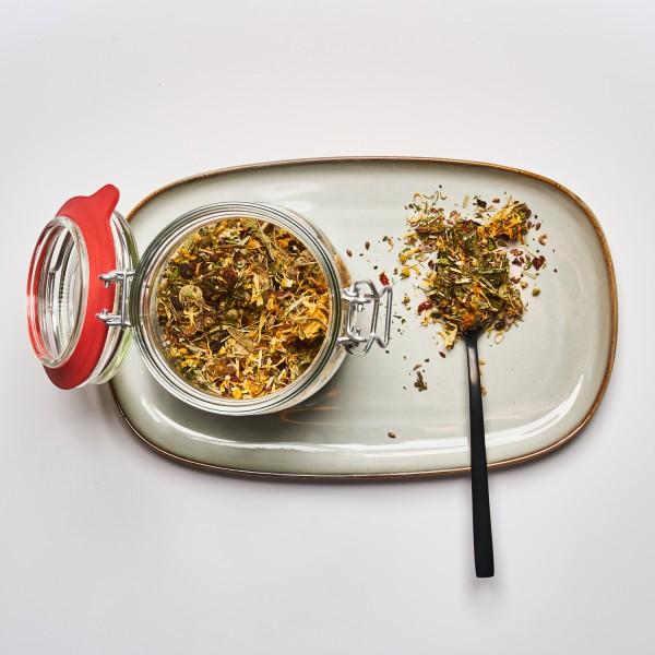 redCLOVER | 8 Kräutertee für den besonderen Tee Moment